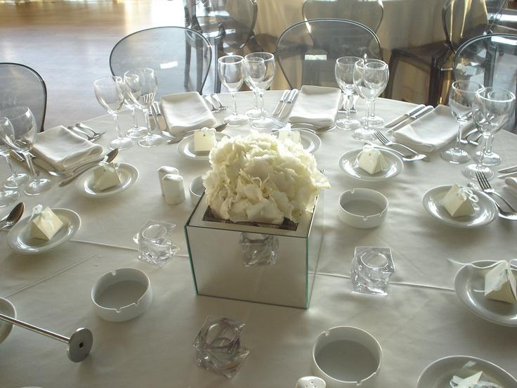 Moustakas flowers -Wedding decor with hydrangea -Aldebaran Restaurant#centerpiece #weddinghydrangea #weddingwhiteflowers #winterwedding