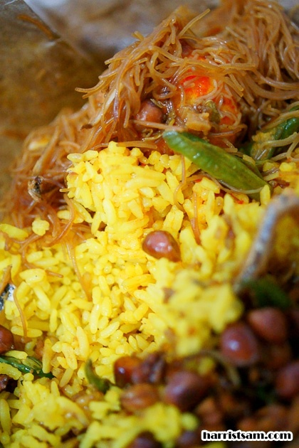 Traditional Indonesian food in Singkawang (Yellow rice)