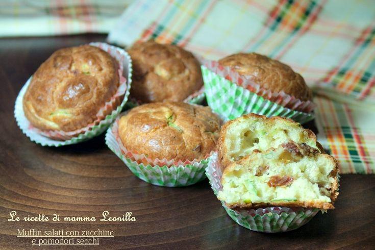 I muffin salati con zucchine e pomodori secchi