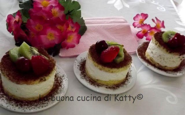 La buona cucina di Katty: Torta con crema di ricotta e frutta di stagione