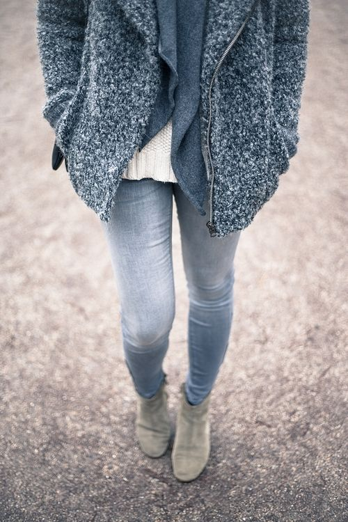 Feels like fall | #street #style #streetstyle #fashion #ootd #fall #fashion #chic #winter #outfit #trend #fallfashion #layers
