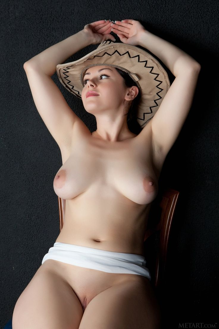 Bella french nude