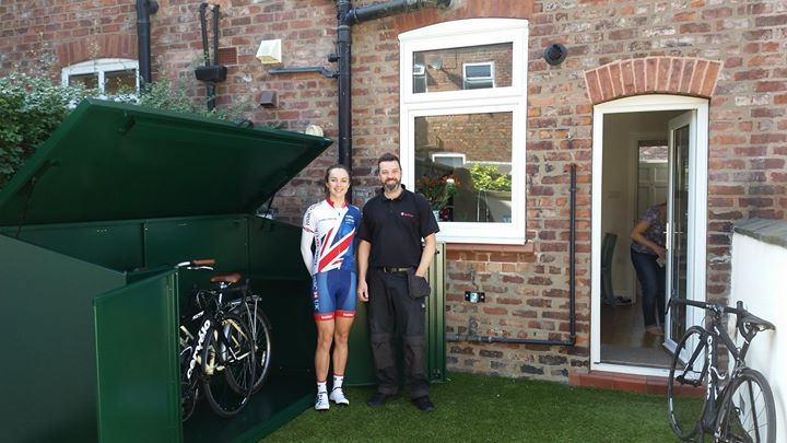 Team Asgard install a new cycle shed for Elinor Barker. Thanks for the tea & biscuits! #Cycling #TEAMGB #Shed #Asgard - http://ift.tt/1HQJd81