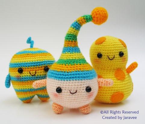 Colorful monsters amigurumi yarn crafts Pinterest