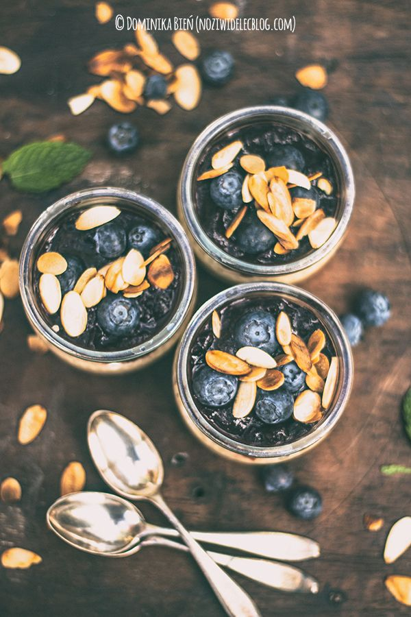 Tapioca pudding with blueberries and roasted almonds