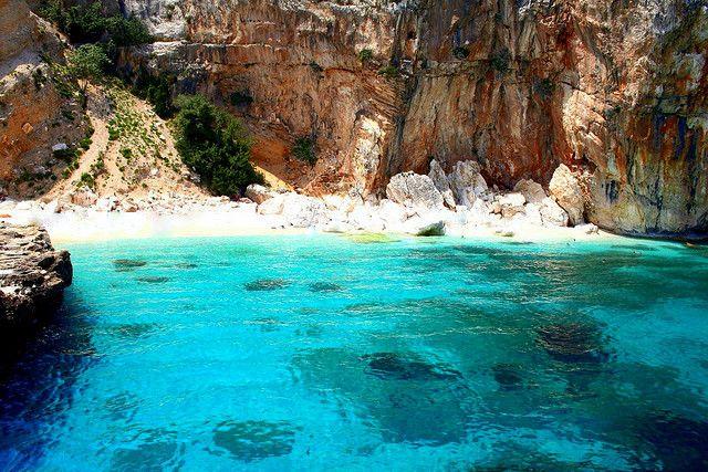 cheap-hotels-villas-and-resorts-in-sardinia-near-cala-mariolu-beach-sardinia-hotels-where-to-stay-in-sardinia-for-a-cheap-holiday-best-beaches-in-sardinia-top-places-in-sardinia-things-to-do-in-sardinia-holiidays-2015
