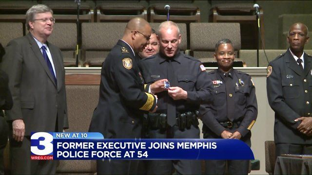 54 Year Old Leaves Executive Level Job To Become Memphis Police Officer Memphis Police Police Officer Police Force