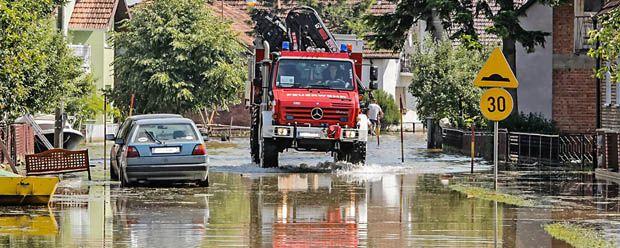 Unimog U5000 Großeinsatz bei Flutkatastrophe in Bosnien