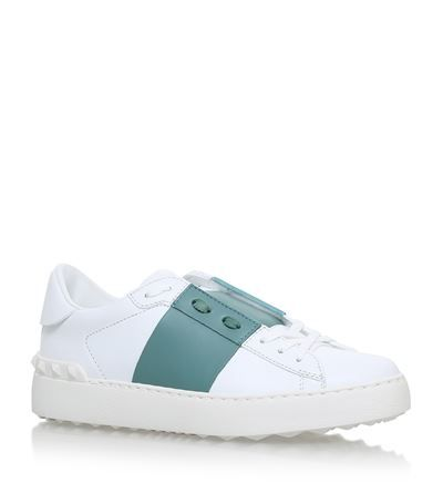 VALENTINO Rockstud Open Trainers. #valentino #shoes #