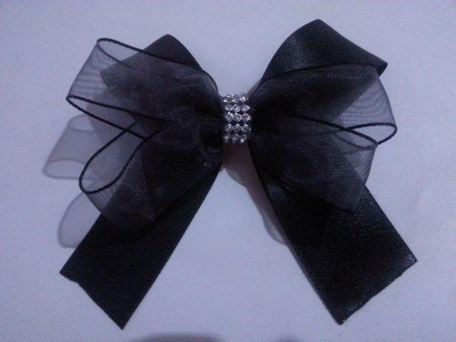 Lazo negro con strass gancho frances