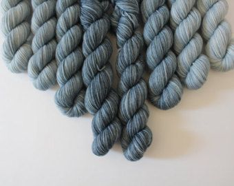 Sok hand geverfd garen 420 m LL / 100 g taai sock door MissMothballs