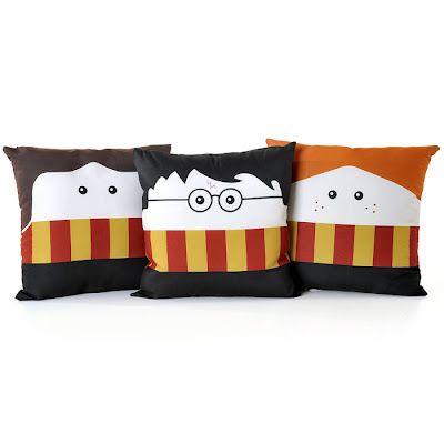 Decoração Criativa...STRIPED pillow fun #pillow