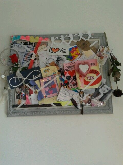 DIY moodboard.  Mine is full of memories, things i like and things my niece made me ツ.