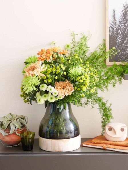 Die Chrysantheme ist eine der beliebtesten Schnittblumen. Wir inszenieren die Blume in kleinen und großen Sträußen neu.
