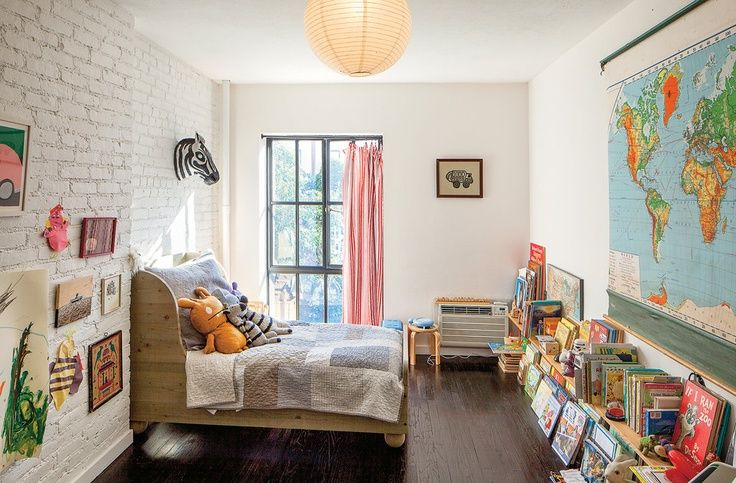 Love the bed for toddler room.