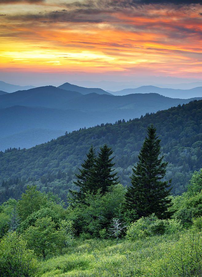 Blue Ridge Parkway, North Carolina, Great Smoky Mountains National Park; photo…