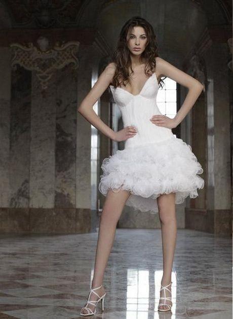 vestidos de novia cortos y esponjados