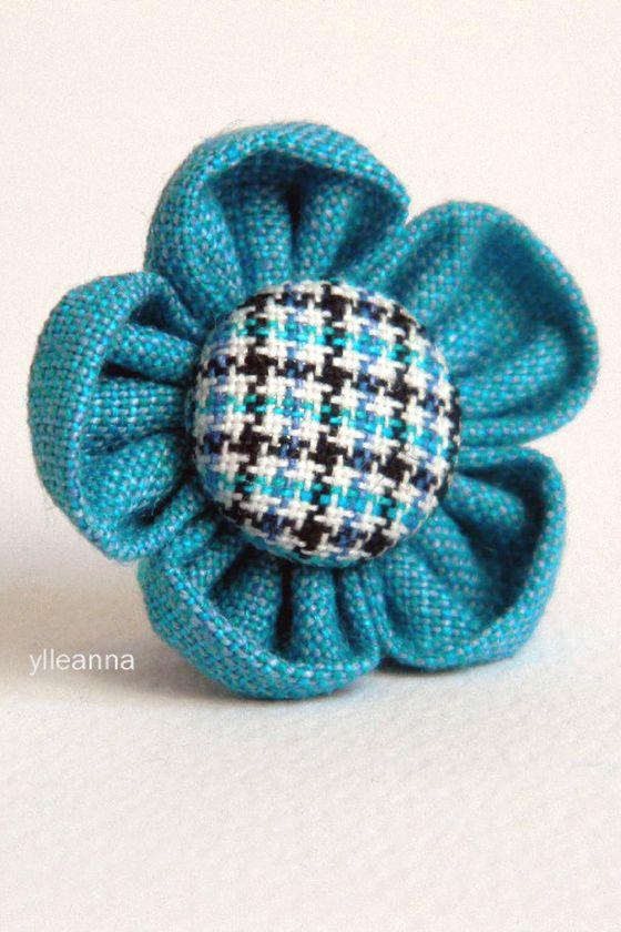 Image of Flower lapel pin. Boutonniere. Turquoise. Plaid -- Spilla bavero giacca. Turchese. Quadretti #boutonniere #lapelflower #lapelpin