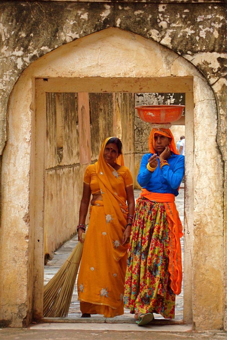 Women in Jaipur, India, 2013-11-17.