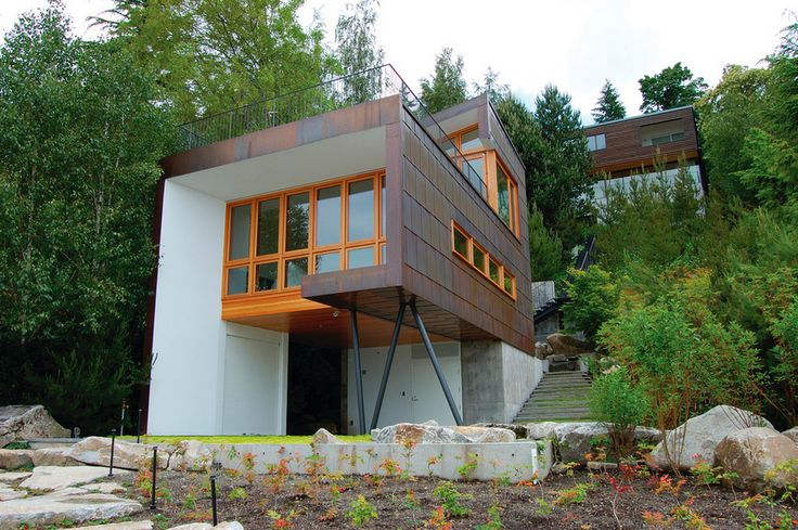 #‎ARTmetal © ideas. www.aias.se  Guest House on a Lake by Hutchison & Maul Architecture Design by Robert Hutchison & Tom Maul Robert Hutchison, Principal-in-Charge.  Sited as close to Lake Washington as permitted by code, the structure is elevated above a patio to preserve the flat portion of the site for outdoor use. A flat-seam copper cladding system serves the multiple roles of soffit, siding and roofing. Mercer Island, WA, Constructed 2007   Photography by Alan Abramowitz