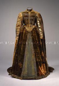 1600 style dresses