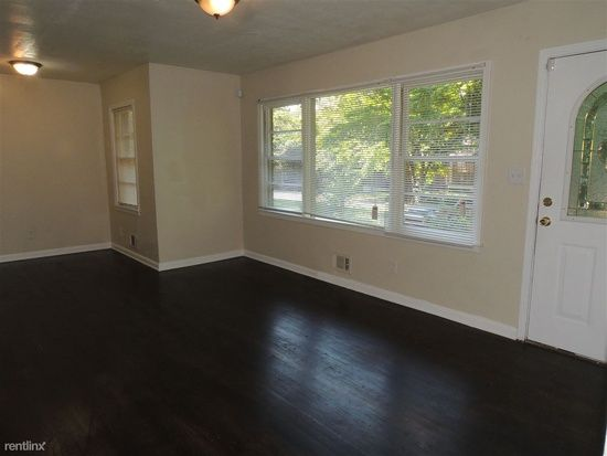 Close To Plenty Of Great Attractions Such As Lakewood Amphitheater Atlanta Zooand Turner Field Spacious 3 Bedroom 1 Bath Home Located In The