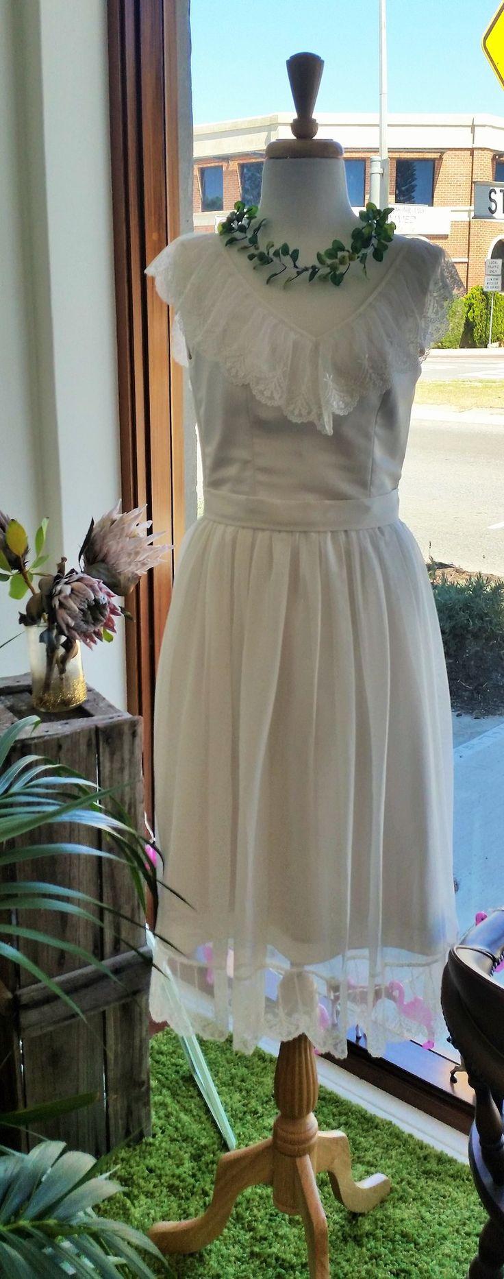 Vintage Bride ~ Image via Through The White Door ~ #vintagebride