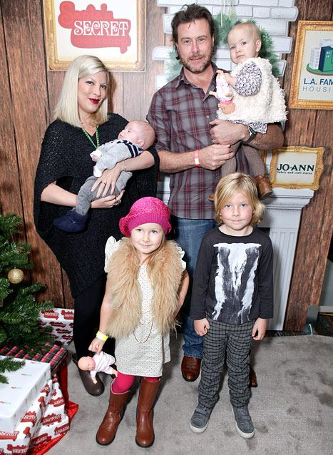Actress Tori Spelling, son Finn, husband Dean McDermott. daughter Hattie, daughter Stella and son Liam