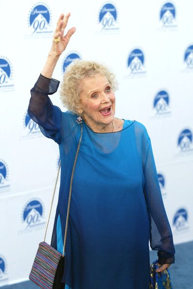 Gloria Stuart Photos - (FILE) 'Titanic' Actress Gloria Stuart Dies At 100 - Zimbio