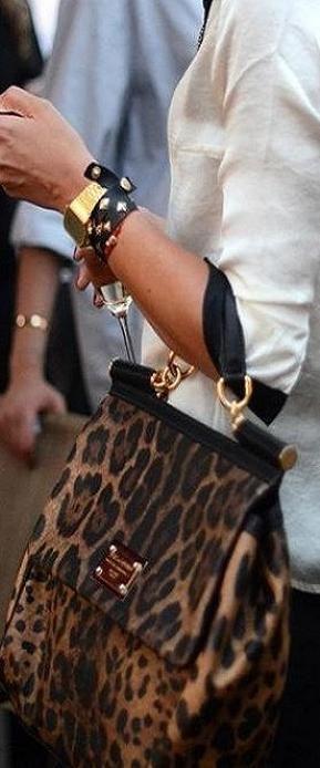 Louis Vuitton  032115