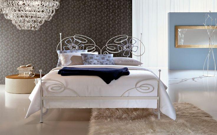 Forja beltran decoracion muebles de forja camas forja - Decoracion forja pared ...