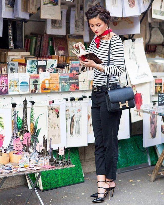 Peony Lim @peonylim Book stalls. See ...Instagram photo   Websta (Webstagram)