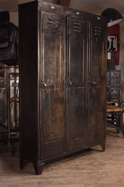 37 best vestiaire m tal images on pinterest industrial furniture metallic furniture and. Black Bedroom Furniture Sets. Home Design Ideas