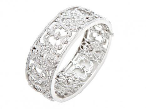 : Beautiful Diamonds, Cuffs Bracelets, Pretty Rings, Filigree Rings, Diamonds Cuffs, Thumb Rings, Anniversaries Bands, Rights Hands Rings, Pretty Cuffs
