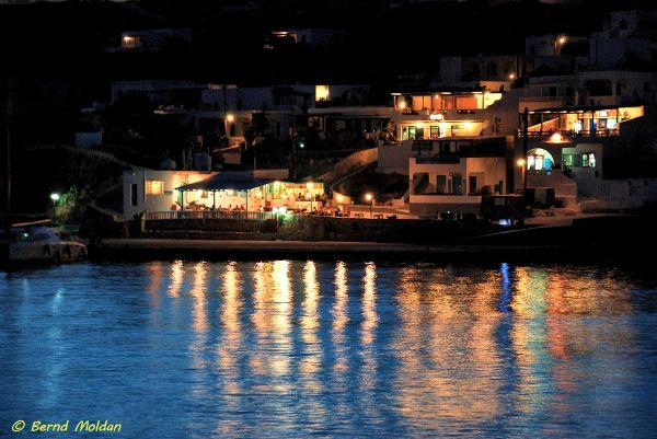 Taverns by the sea, Stavros port