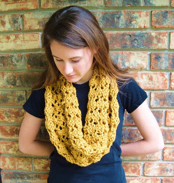 The 265 Best Free Knitting Patterns Cowls Images On Pinterest