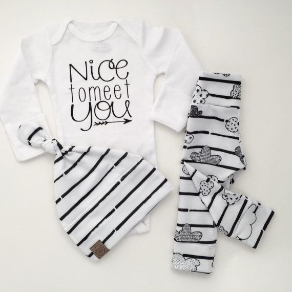 gender neutral baby boy take home outfit by PaisleyPrintsSpokane