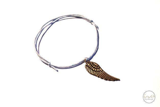 błękit dodaje skrzydeł :) - ivahandmade - Bransoletki z zawieszkami