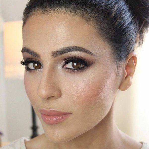 Hochzeit Kajal Augen betonen rosa Lippen nude Lippenstift
