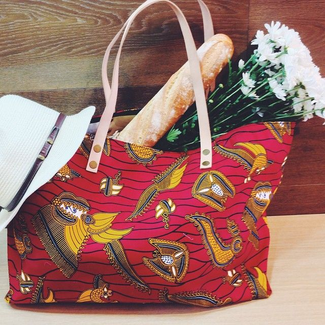 #Flowers and #baguettes on a #Saturday out shopping with the Saffie Totebag
