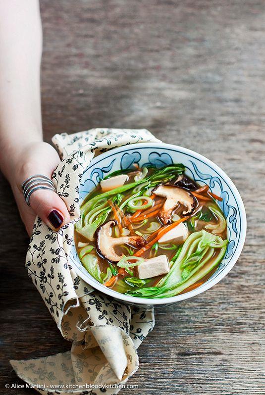 Kitchen Bloody Kitchen: Zuppa di miso con shiitake, bok choy e lemongrass