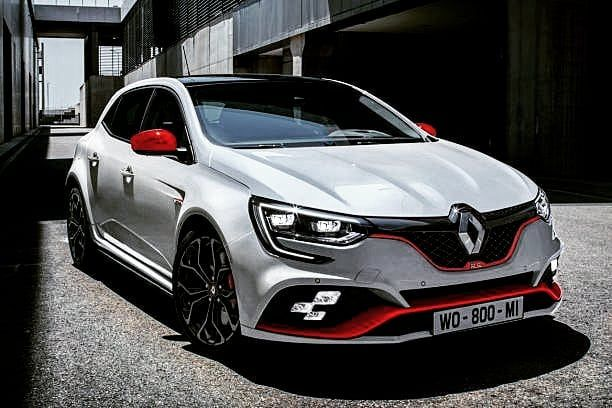 I M In Love With The New The New Renaultsport Megane 4 R S Trophy 300 Hp What Do You Think Rate 10 Megane 4 Rs Megane Rs Renault Megane