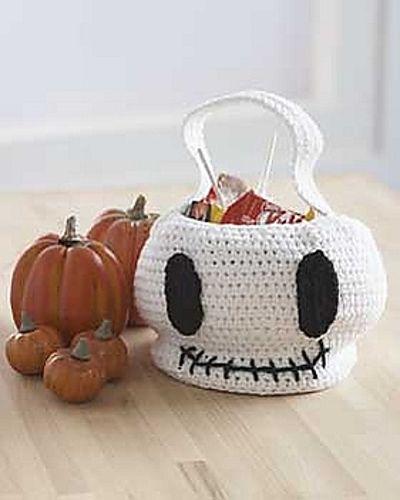 Ravelry: Skull Trick or Treat Bag pattern by Lily / Sugar'n Cream