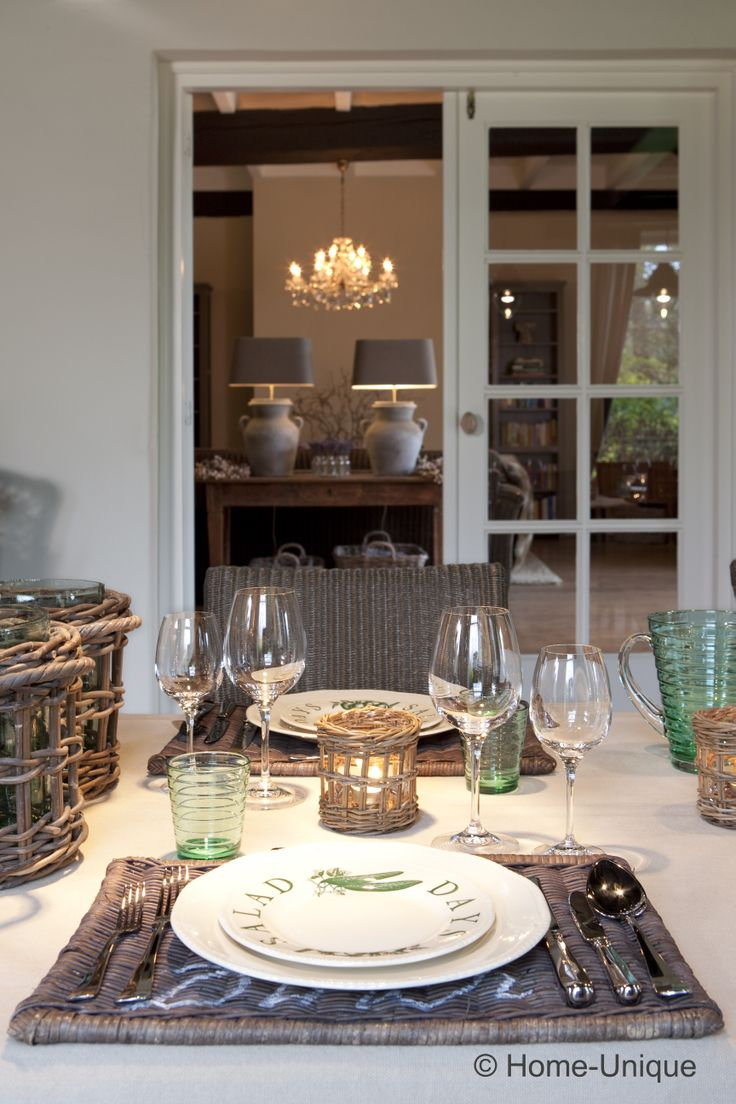 """Dining """"Home-Unique-style""""."""