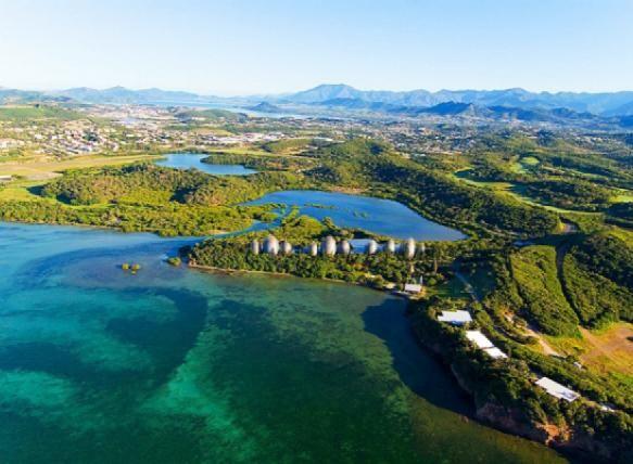 Nouméa, la capitale de Nouvelle-Calédonie et le centre culturel Tjibaou - Photo : Pierre-Alain Pantz