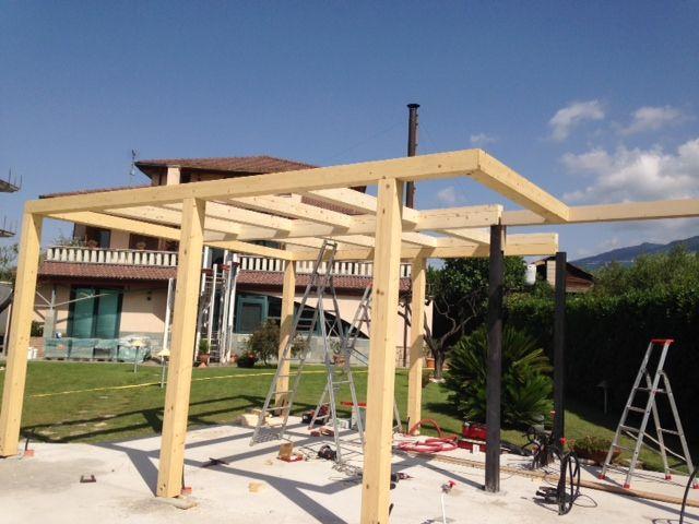 Gazebo casa mino realizzazione gazebo attrezzato struttura in legno con aggiunta in ferro per - Struttura in ferro per casa ...