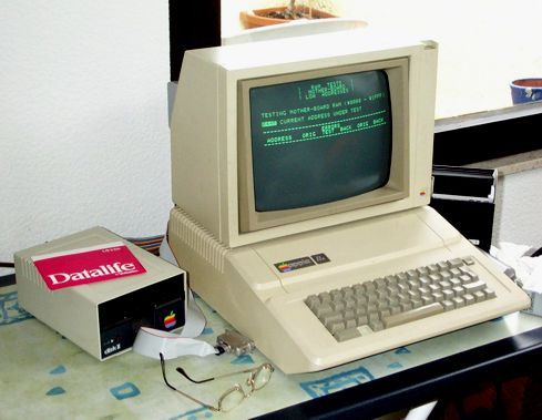 Apple II + (c 1979): With green on green graphics this was, at the time, the greatest of the latest!  #Apple_II_+