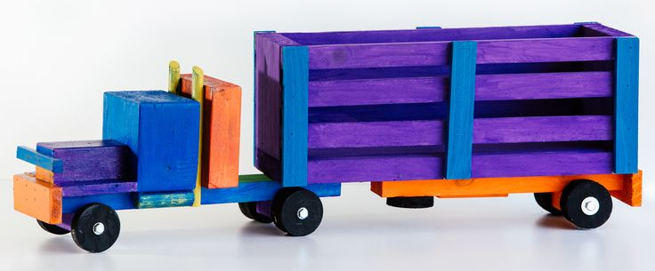 Email your order for this CATTLE TRUCK to kobus@littleengineer.co.za Price:  R280.00 Size:  600 x 110 x 120mm