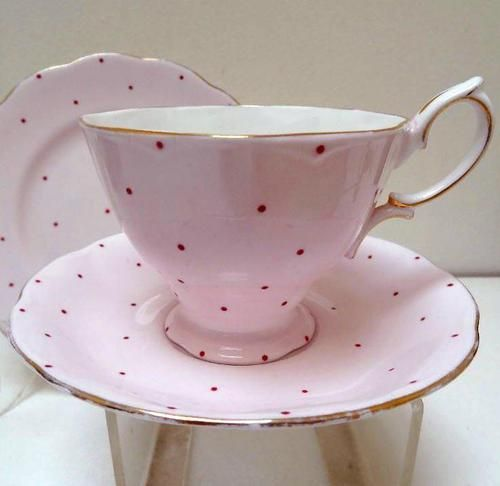 25 best royal albert ideas on pinterest tea sets for Gold polka dot china