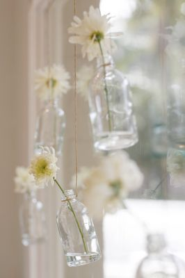 beautiful and simple idea for backyard or window display